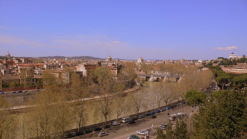 The Tiber seen from Giardino degli Aranci.