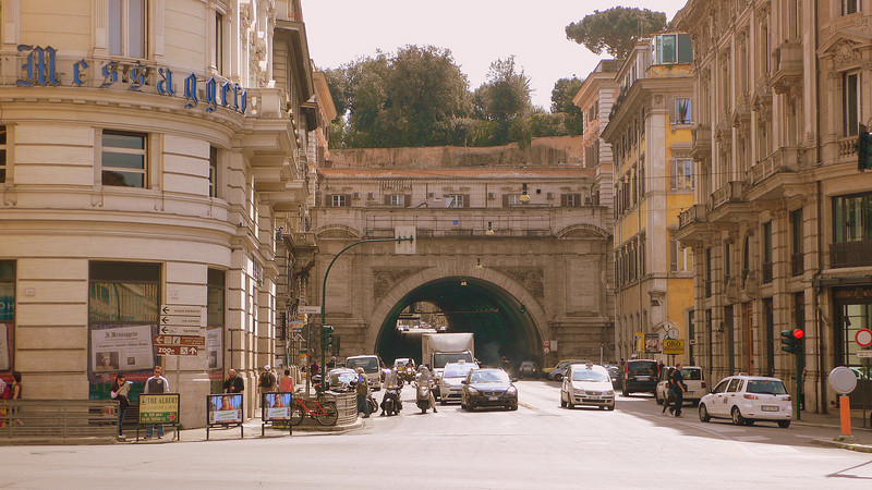 Roman streetscapes : A street nestled above another, a layered city hinting at having aged gracefully over 2200 years.