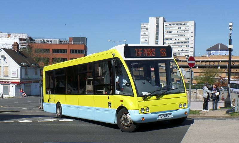 YJ08PJY - Bracknell (bus station)