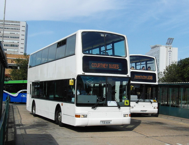 T131AUA - Bracknell (bus station) - 15.9.12