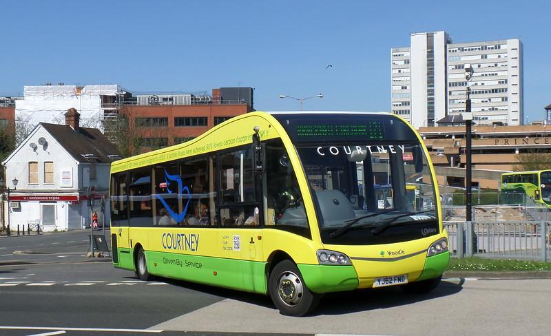 YJ62FMD - Bracknell (bus station)