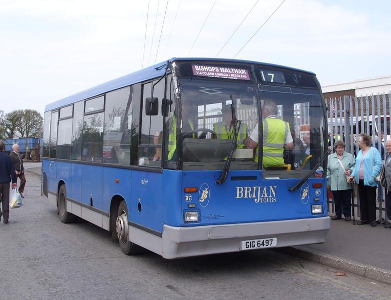 97 - GIG6497 - Brijan depot, Botley