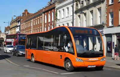 YJ64DVZ - Salisbury (Blue Boar Row)