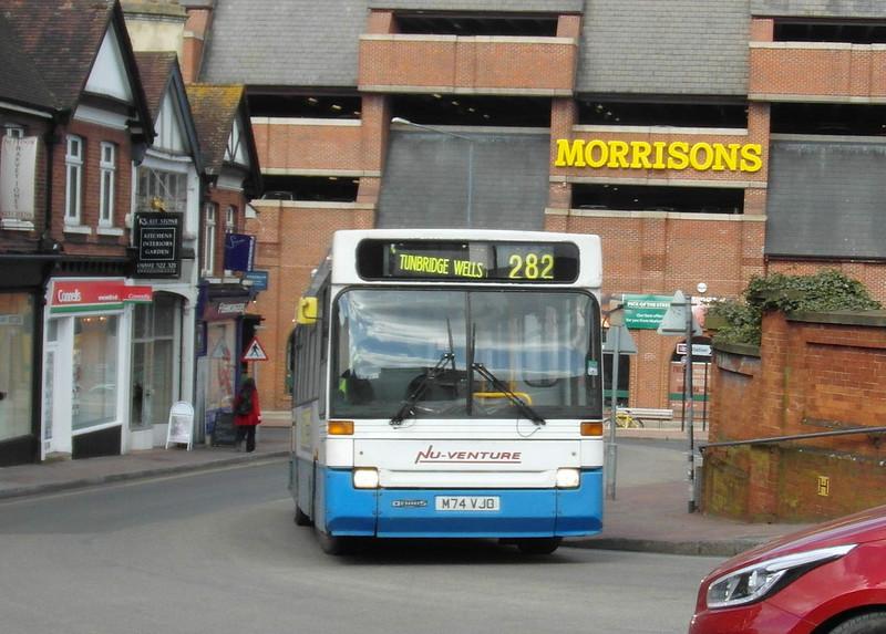 M74JVO - Tunbridge Wells (railway station) - 2.4.13