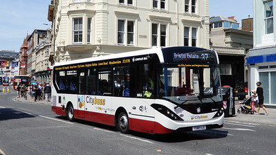 YX68UJU - Brighton (Castle Square)