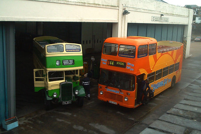 502 alongside 503 - Ryde (bus depot) - September 2003