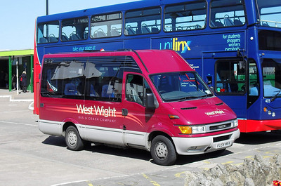 25 - EU54MEV - Ryde (bus station) - 8.4.10