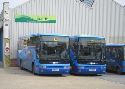 7008 - P308CTT and 7009 - R309STA - Ryde depot - 19.5.12