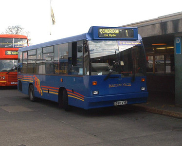 817 - G526VYE - Newport (old bus station) - 6.3.04