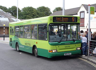 3323 - HW54BUJ - Newport (bus station) - 5.8.08