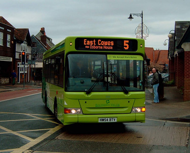 3315 - HW54BTV - Newport (South St) - 7.4.05