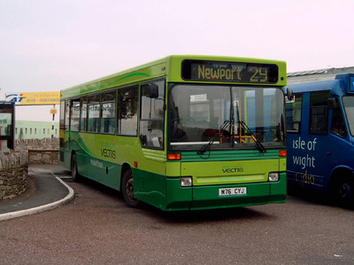 901 - M76CYJ - Ryde (bus station) - 26.10.07