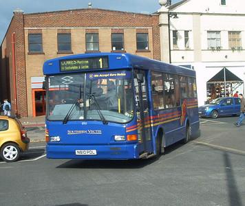 810 - N810PDL - Newport (old bus station) - 6.3.04