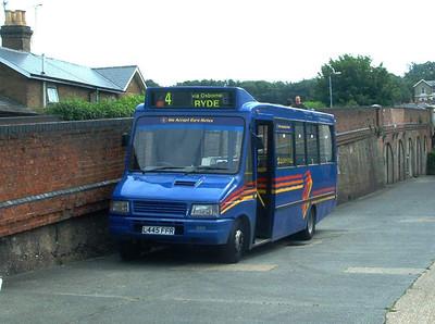 260 - L445WFR - Ryde depot - October 2003