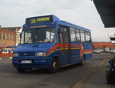 262 - N262FOR - Newport (old bus station) - 6.3.04