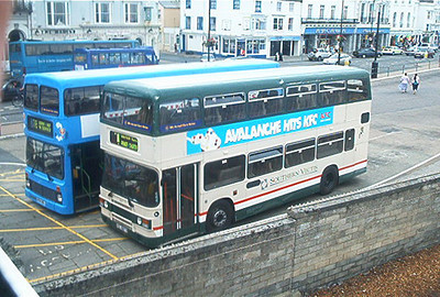 687 - RDL687X - Ryde (bus station) - 5.8.02