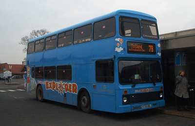 735 - K735ODL - Newport (old bus station) - 16.2.04