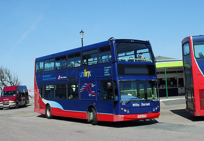 404 - HF54KXW - Ryde (bus station) - 8.4.10   On loan from Wilts & Dorset when this photo was taken
