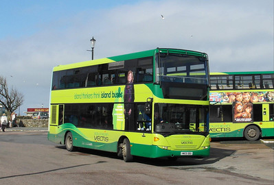 1142 - HW09BBU - Ryde (bus station) - 9.3.13