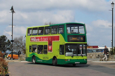 1952 - PL51LDN - Ryde (bus station) - 27.4.13