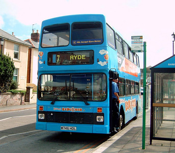 746 - M746HDL - Shanklin (Languard Rd) - 20.8.04