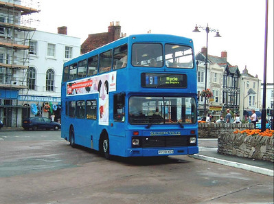 762 - R738XRV - Ryde (bus station) - 22.7.06