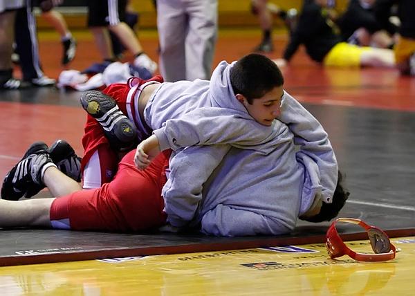 002-wrestlingregional10