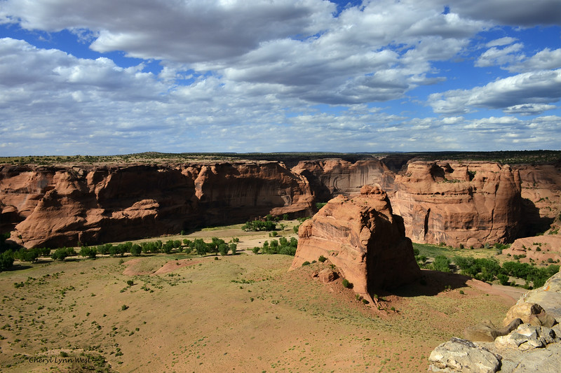 Canyon de Chelly, Arizona - looking down into the canyon