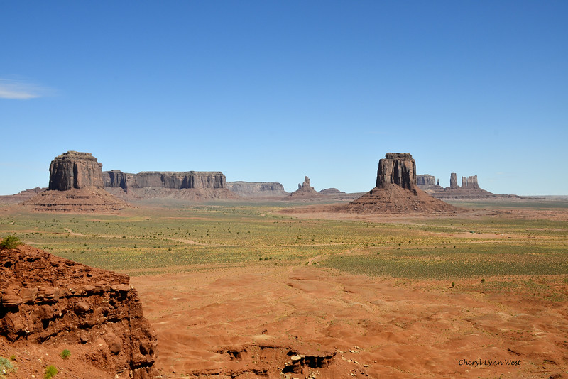 View of Monument Valley, Arizona from Artist Point
