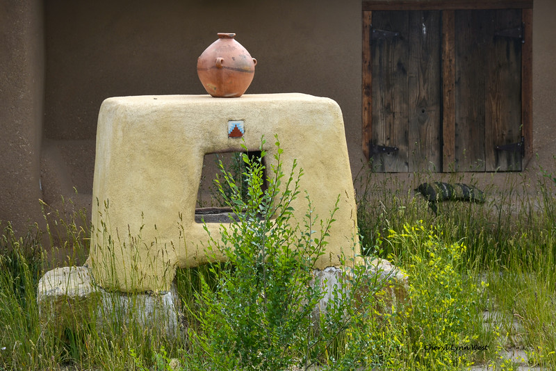Truchas, New Mexico - Decoration outside the Montez Gallery