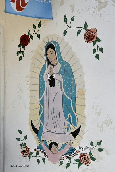 El Santuario de Chimayó, New Mexico - Wall painting on the trading post