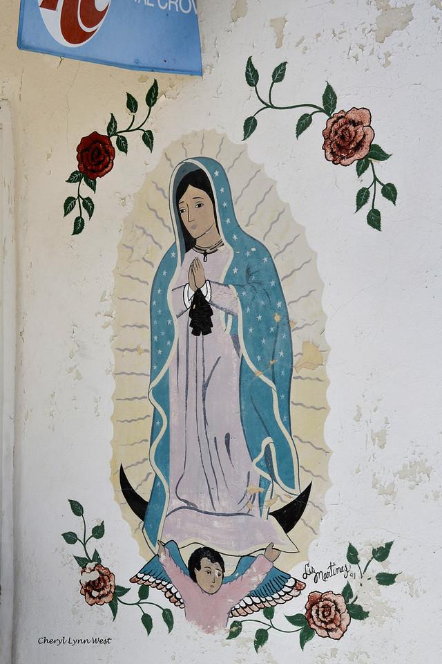 El Santuario de Chimayó, New Mexico - Wall painting on the trading post