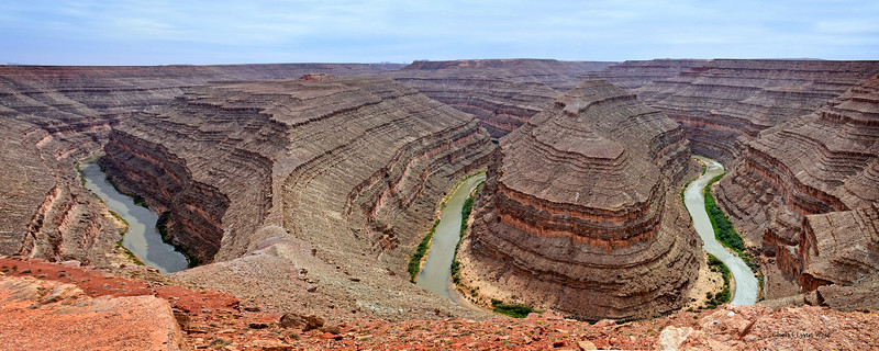 San Juan River, snaking through Goosenecks State Park, Utah