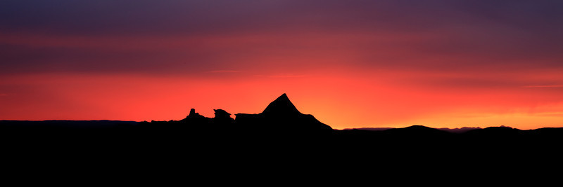 Sunset at Bisti Badlands <br /> <br /> Bisti/De-Na-Zin Wilderness <br /> Farmington, New Mexico <br /> (5II2-14722)