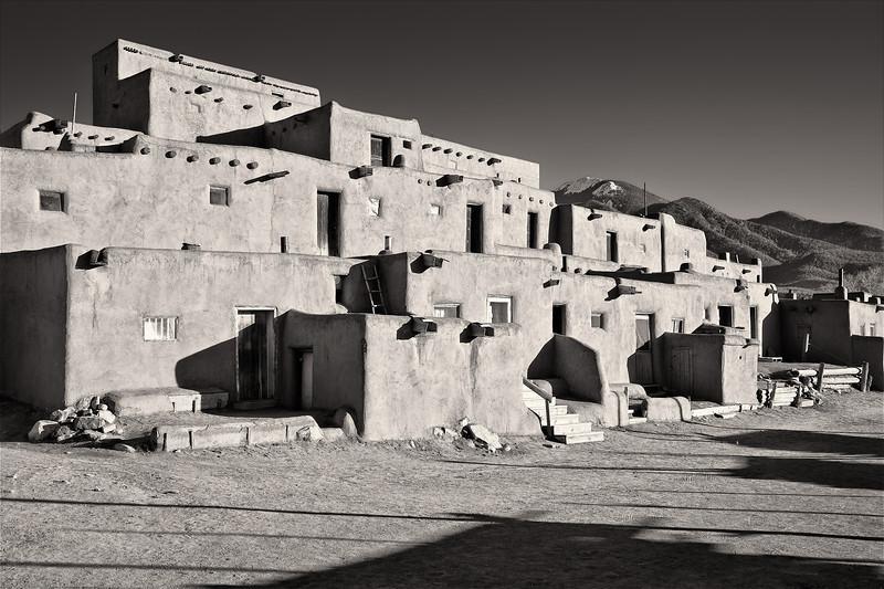 Pueblo <br /> <br /> Taos Pueblo <br /> Taos, New Mexico <br /> (5II2-11266)