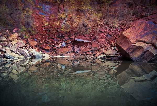 Upper Emerald Pool reflection