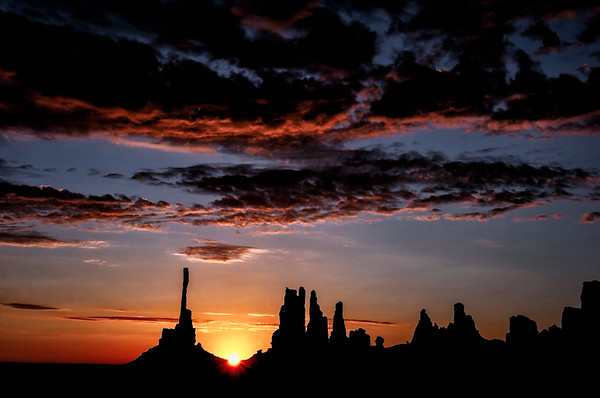 Monument Valley Sunrise<br /> © Sharon Thomas
