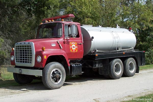 Former Tanker 4 - 1975 Ford L/Progress - 150gpm/2300gal