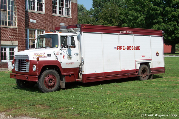 6 Truck 4 - 1974 Ford L-750/Hesse/1995 FD Support Unit