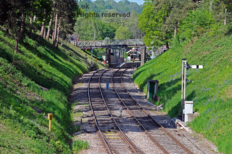 Looking east towards Groombridge station.  The westbound Advance Starting signal is on the right, together with an old BR fog man's hut.  29.05.2021 18047