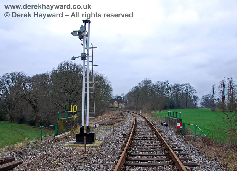 Installation of the westbound Home Signal east of Groombridge Station. 28.01.2008