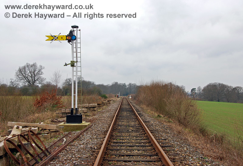 Looking west towards Groombridge, with the new Distant signal in the foreground. The safety cage for the ladder is on the left, and had yet to be installed. 28.01.2008