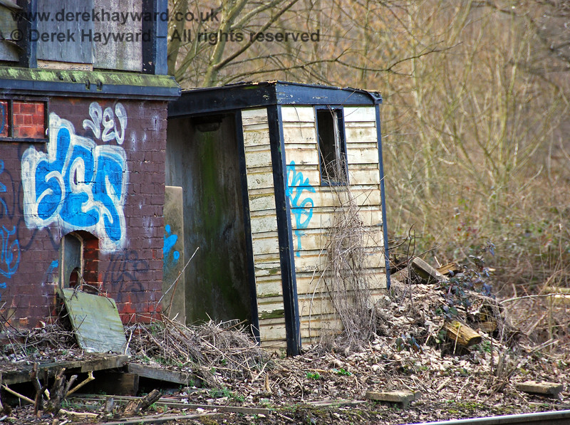 Amazingly the signalman's convenience was still standing within the undergrowth, although it needed some refurbishment... 02.03.2009