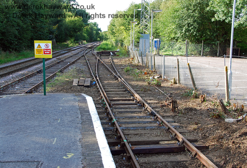 Looking north from the bay platform showing the cleared access to the Spa Valley running line (in the centre of the picture). 14.09.2008