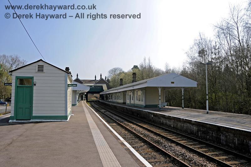 Looking south at the Network Rail platform (Platform 1) at Eridge. 27.03.2011 6590
