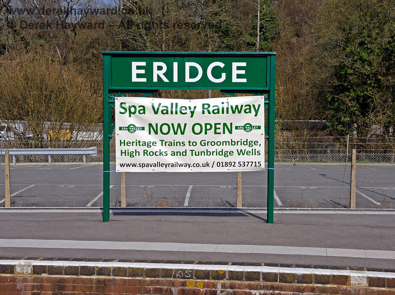 """The running-in board at the northern end of Platforms 2 and 3 at Eridge, together with the """"opening"""" poster. 27.03.2011 6607"""