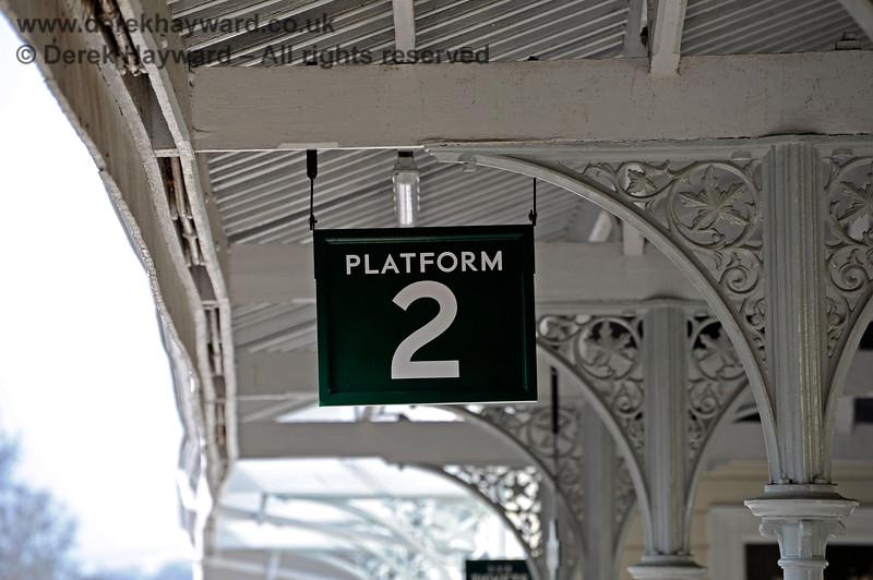 The refurbished and repainted roof on Platform 2 at Eridge.  27.03.2011 10449