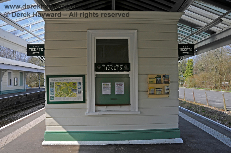 The Spa Valley Railway ticket office at Eridge (closed at the time that the picture was taken). 27.03.2011 6582