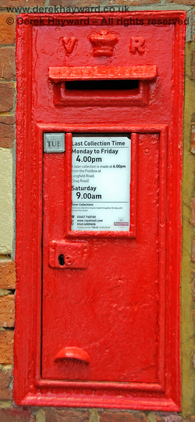 Eridge Station has also retained it's Victorian (V:R) post box, although the collections were probably better in the years that the Royal Mail delivered a First and Second post daily (remember two deliveries a day?) 29.05.2021 20649