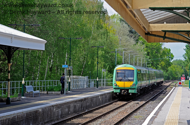 171202 passes the extended platform at Eridge as it arrives with a service to Uckfield. 29.05.2021 18006
